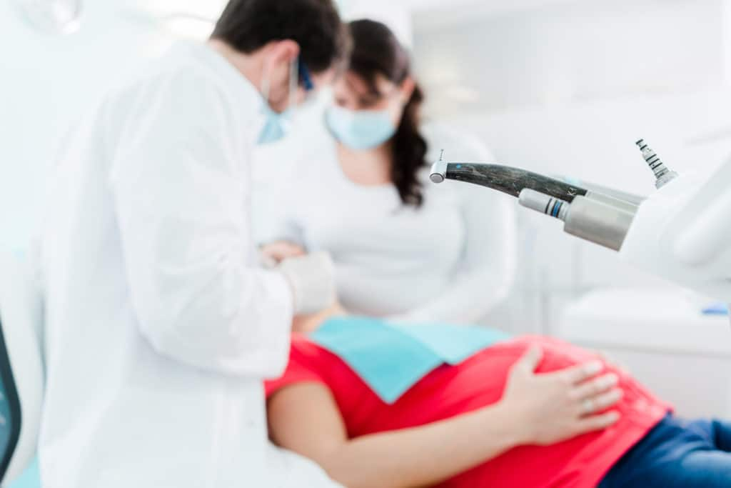 Going to the dentist while pregnant:why it is so important!