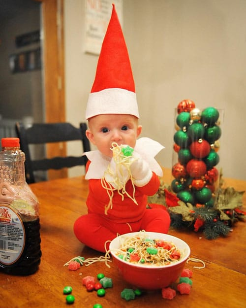 20 Creative And Cute Photo Ideas For Baby S First Christmas Swaddles N Bottles