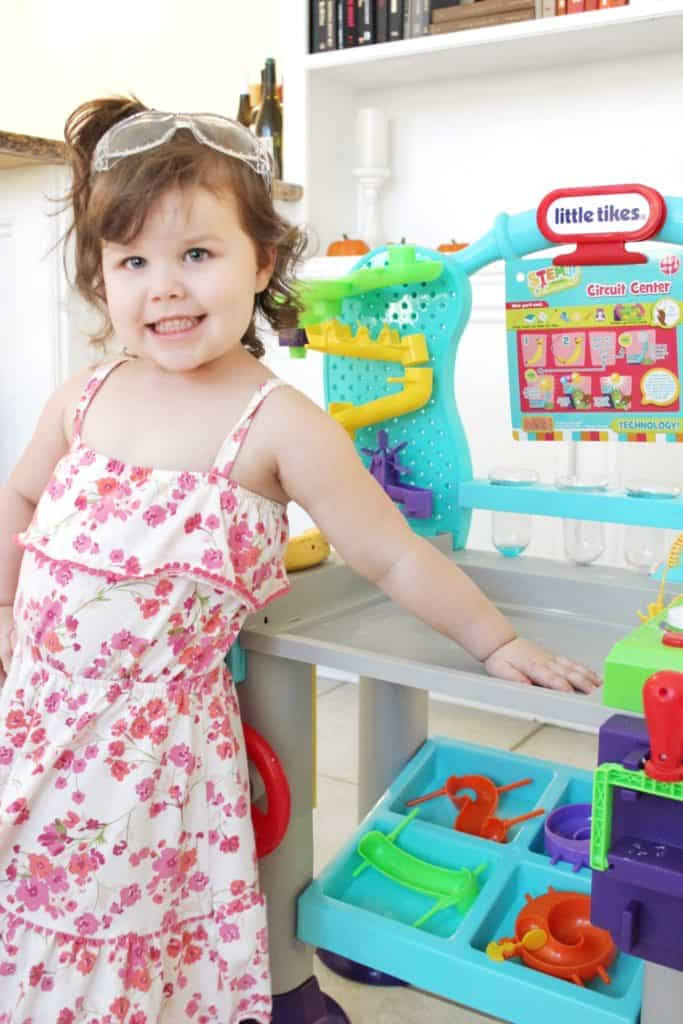 Little Tikes WonderLab is a great toy for toddlers to help introduce STEM activities!